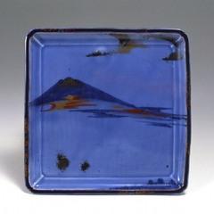 薄瑠璃釉色絵富士山文角皿