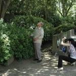 縄文アラカシの「育ての親」原信義さんご夫妻来館