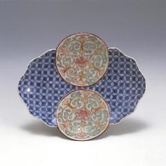 色絵唐花文変形皿