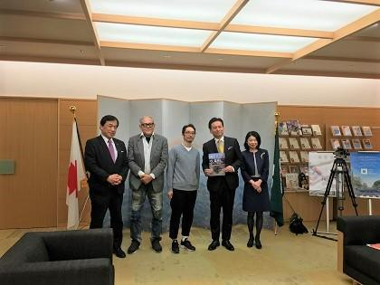 池田さん知事訪問の様子2.jpg