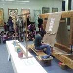 たんぽぽ保育園(基山町)の園児が緞通展を見学