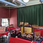 「佐賀錦雛人形・兜展」が岡田三郎助アトリエで開催中です