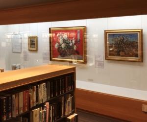 基山町立図書館での展示の様子・2