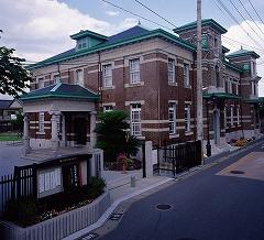 佐賀市歴史民俗資料館外観